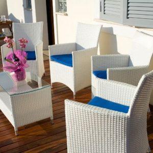 minimalist style outdoor furniture